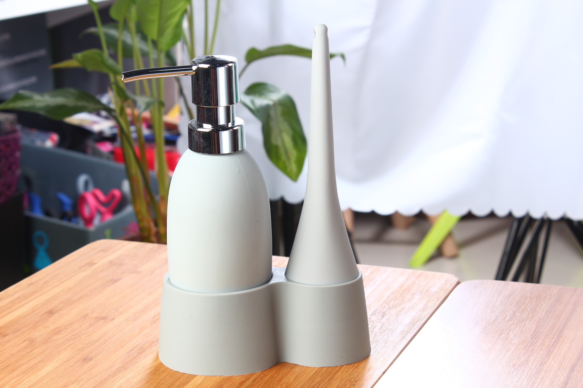 Flow 3-in-1 Soap Dispenser Wash Up Set with Base Tray in Gray (6 Dispensers/Lot)