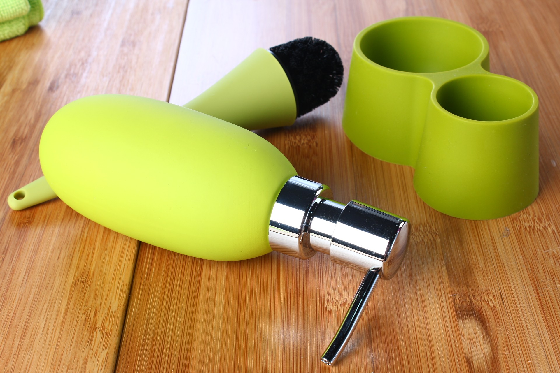 Flow 3-in-1 Soap Dispenser Wash Up Set with Base Tray in Green (6 Dispensers/Lot)