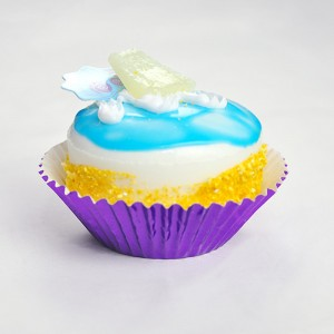 Shiny Foil Standard Size Baking Cupcake Liners (Purple) (300 Liners/Lot)