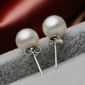 "White Nanyang Bead Pearl Stud Earrings 1.5cm (0.5"") - 300/Lot"