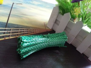 """Green with White Polka Dots Twist Ties for Party Favor Bags (3.75"""" Long) [100 packs/Lot]"""