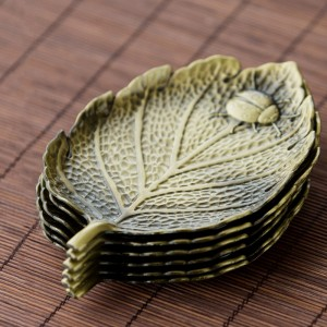 "Green Leaf Alloy Tea Coasters for Drinks - 100pcs/Lot (10.5cm x 7.4cm/4"" x 2.75"")"