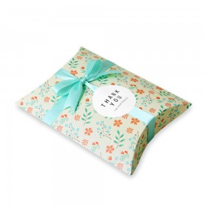 Delicate Spring Floral Arrangement Pattern Pillow Box for Favor Packaging (5.5 inches x 3.75 inches) [600 Boxes/Lot]