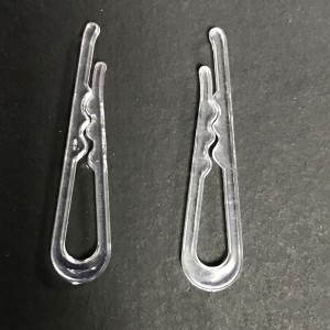"""Transparent PS Garment Packaging Clips for Clothing Stores 0.25"""" x 1.5"""" x 0.1""""- 3900 Clips/Lot"""